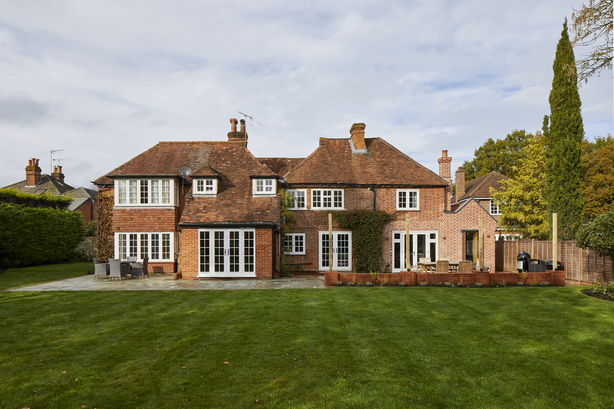 Grade ii Listed Cottage, Pirbright